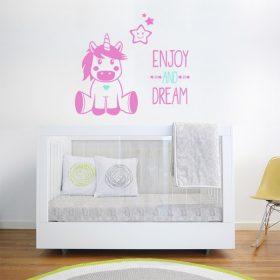 unicornio bebe em adesivo de parede