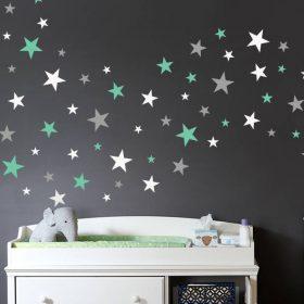 quarto bebe com estrelas na parede