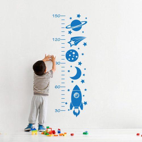 adesivo de parede com regua de crescimento